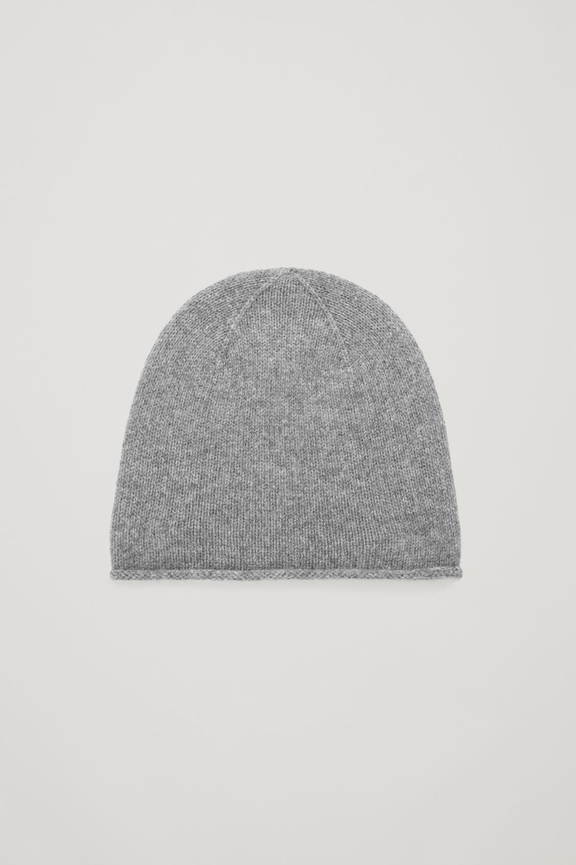 Front image of Cos cashmere hat in grey c07f67c7e59