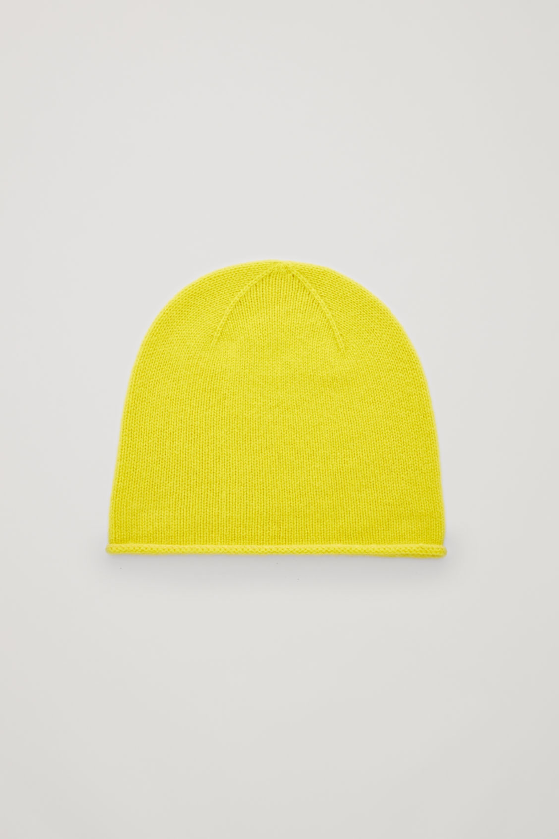 Front image of Cos cashmere hat in yellow