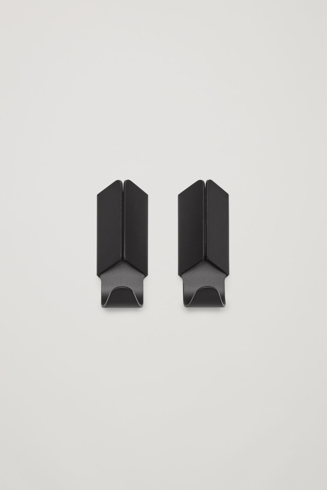 Front image of Cos hay volet hook set of 2 in black