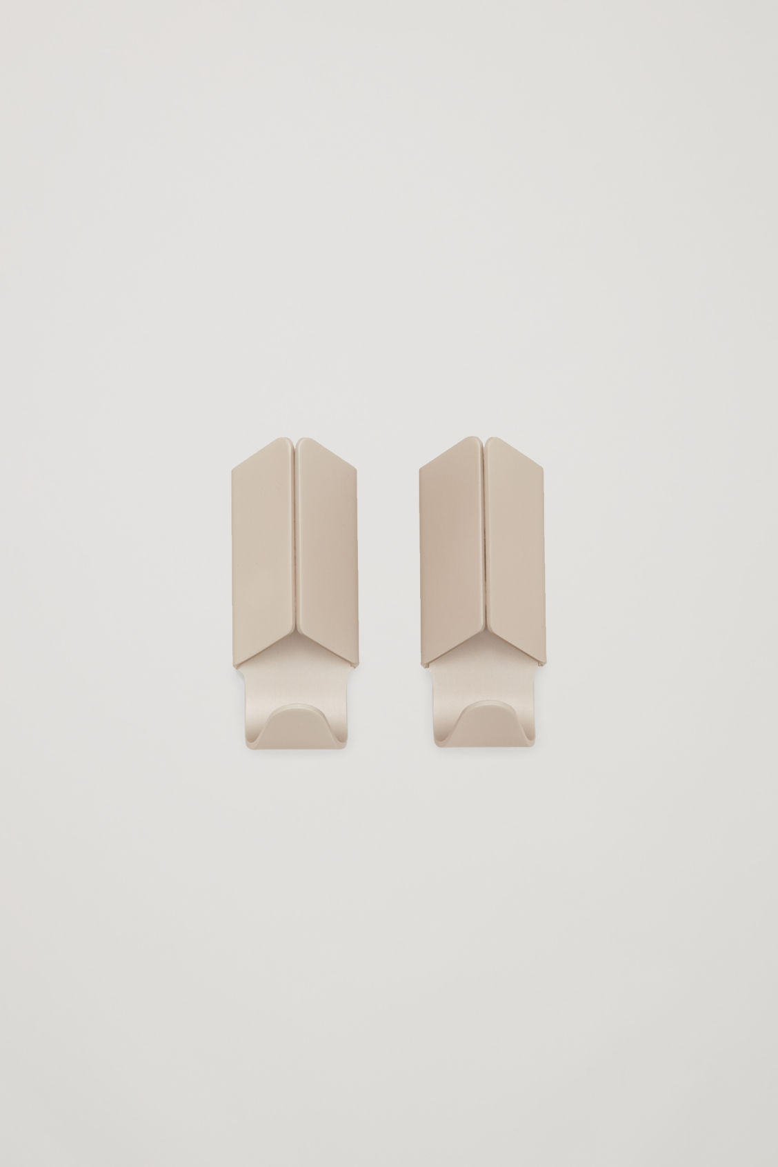 Front image of Cos hay volet hook set of 2 in beige