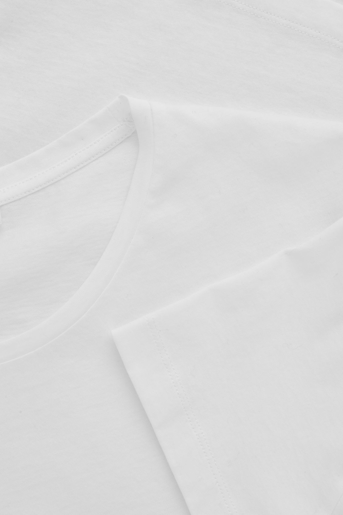 Side image of Cos classic t-shirt in white