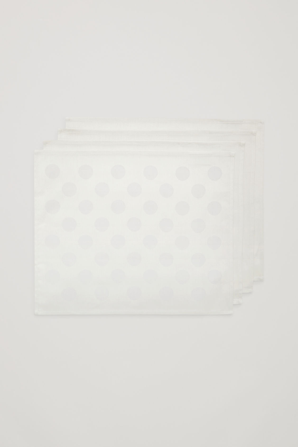 Front image of Cos hay dot place mat set of 4 in grey