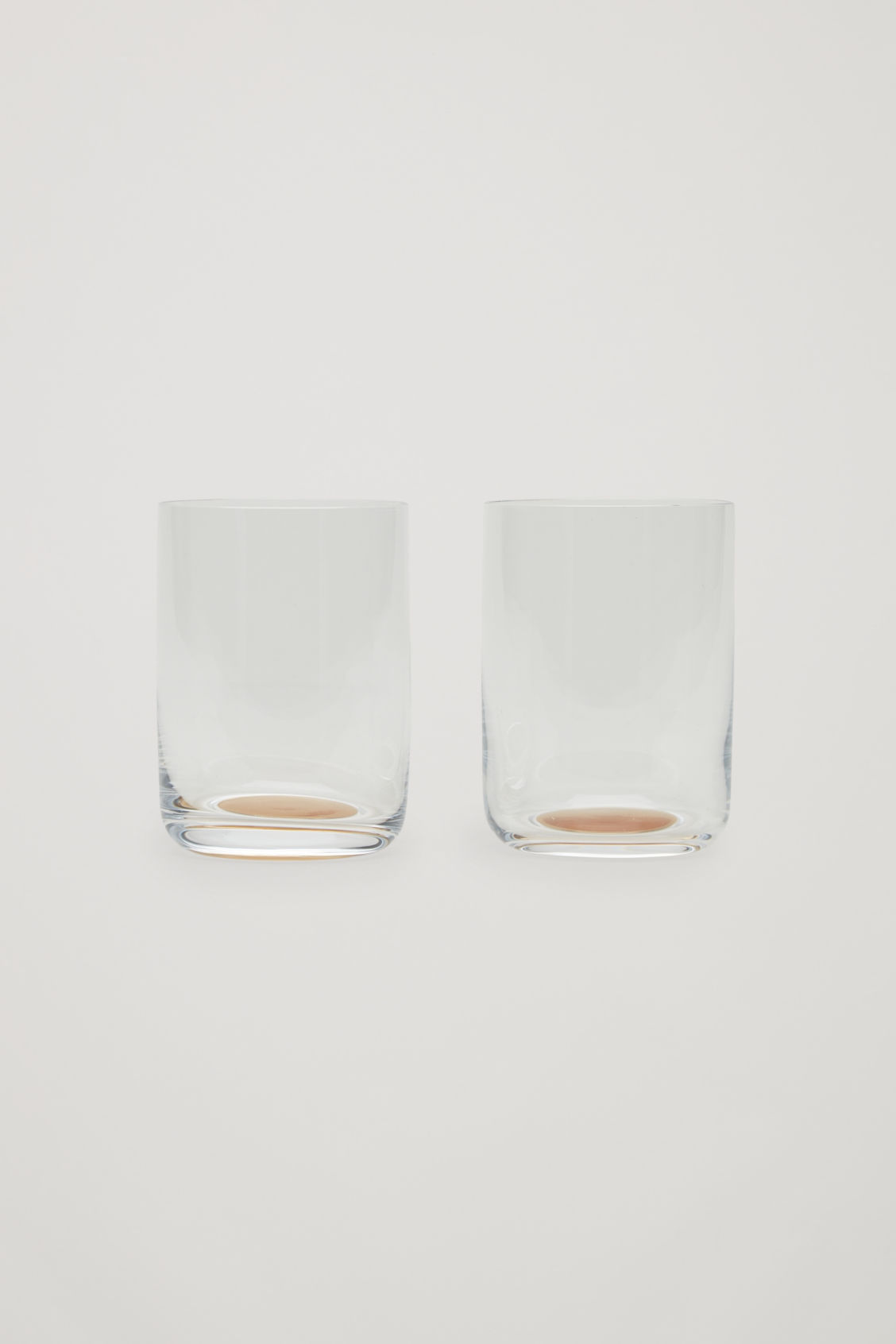 Front image of Cos hay dot high glass set of 2 in white