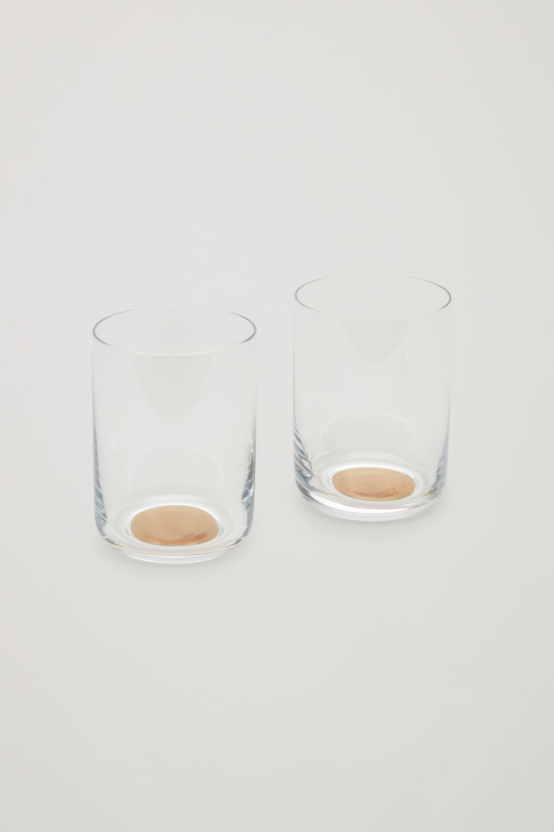 Side image of Cos hay dot high glass set of 2 in white