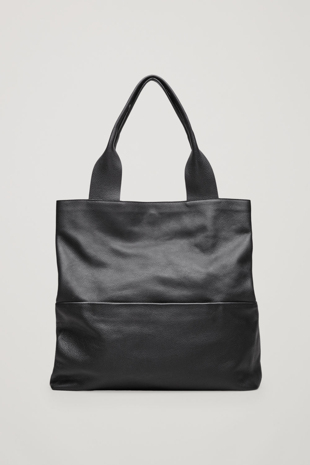 LARGE GRAINED LEATHER BAG