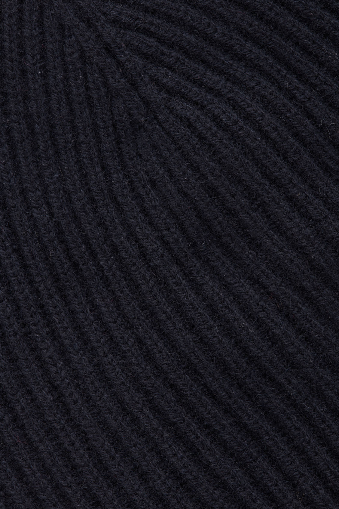 Side image of Cos ribbed cashmere hat in blue