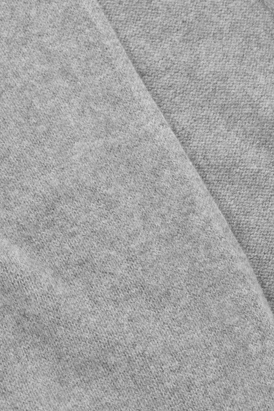 Side image of Cos cashmere scarf  in grey