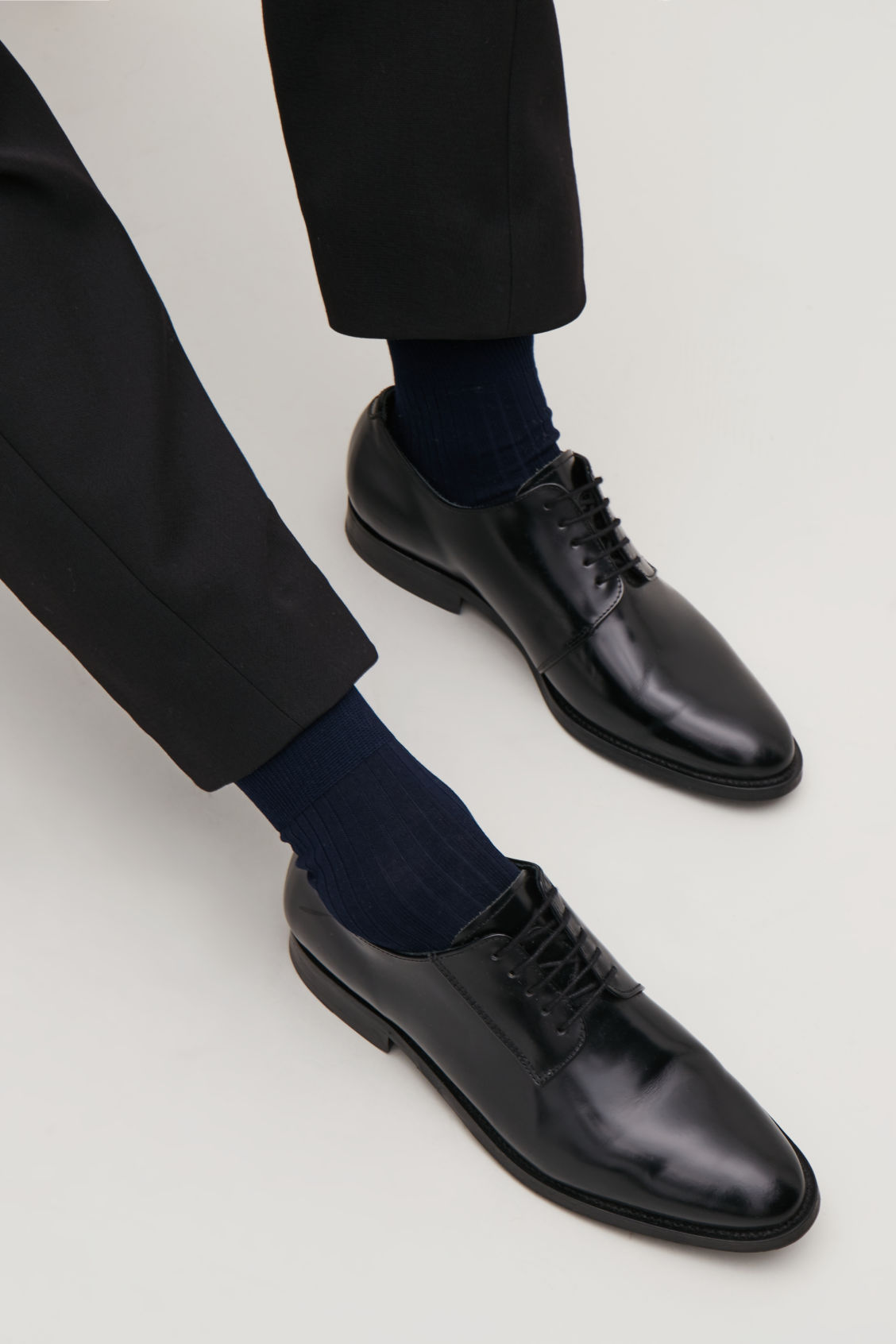 Side image of Cos fine ribbed ankle socks  in blue