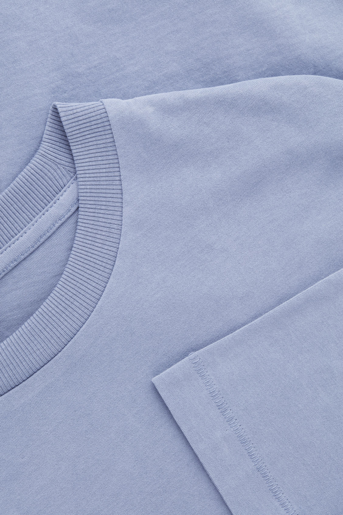 Side image of Cos long-sleeved cotton t-shirt  in blue