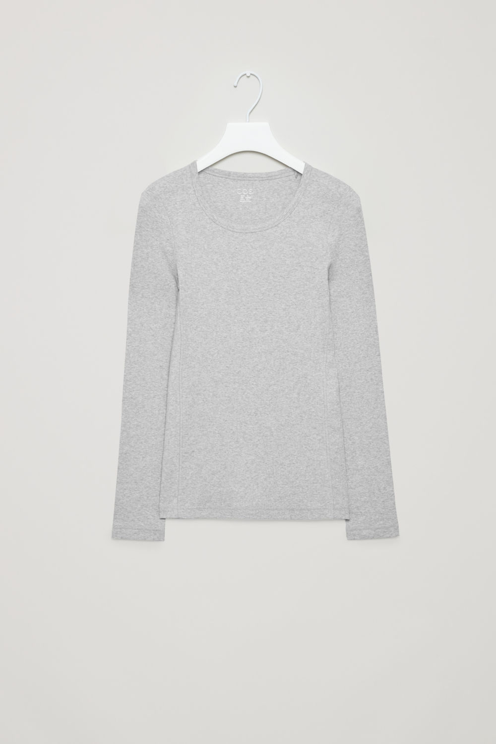 RIBBED LONG-SLEEVED TOP