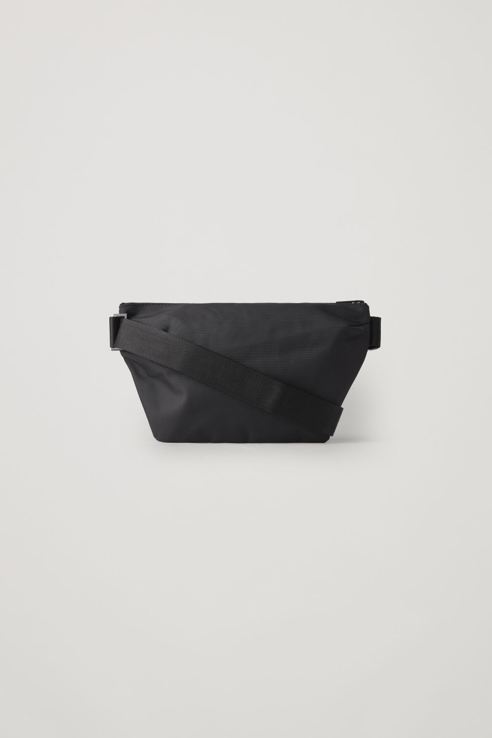 ZIP-UP BELT BAG