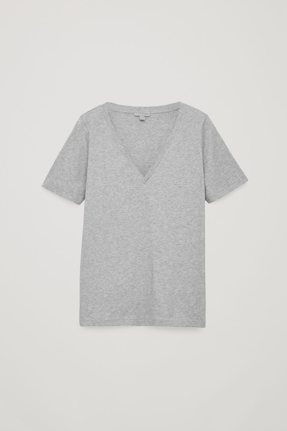 WIDE V-NECK T-SHIRT