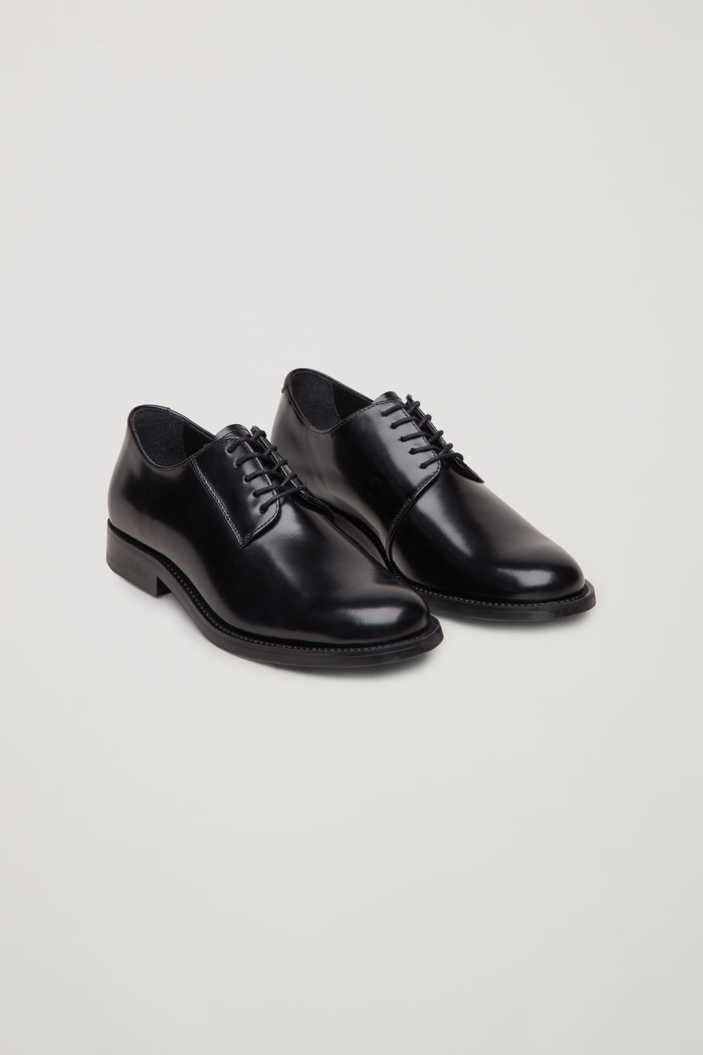 ROUND-TOE LEATHER OXFORD SHOES