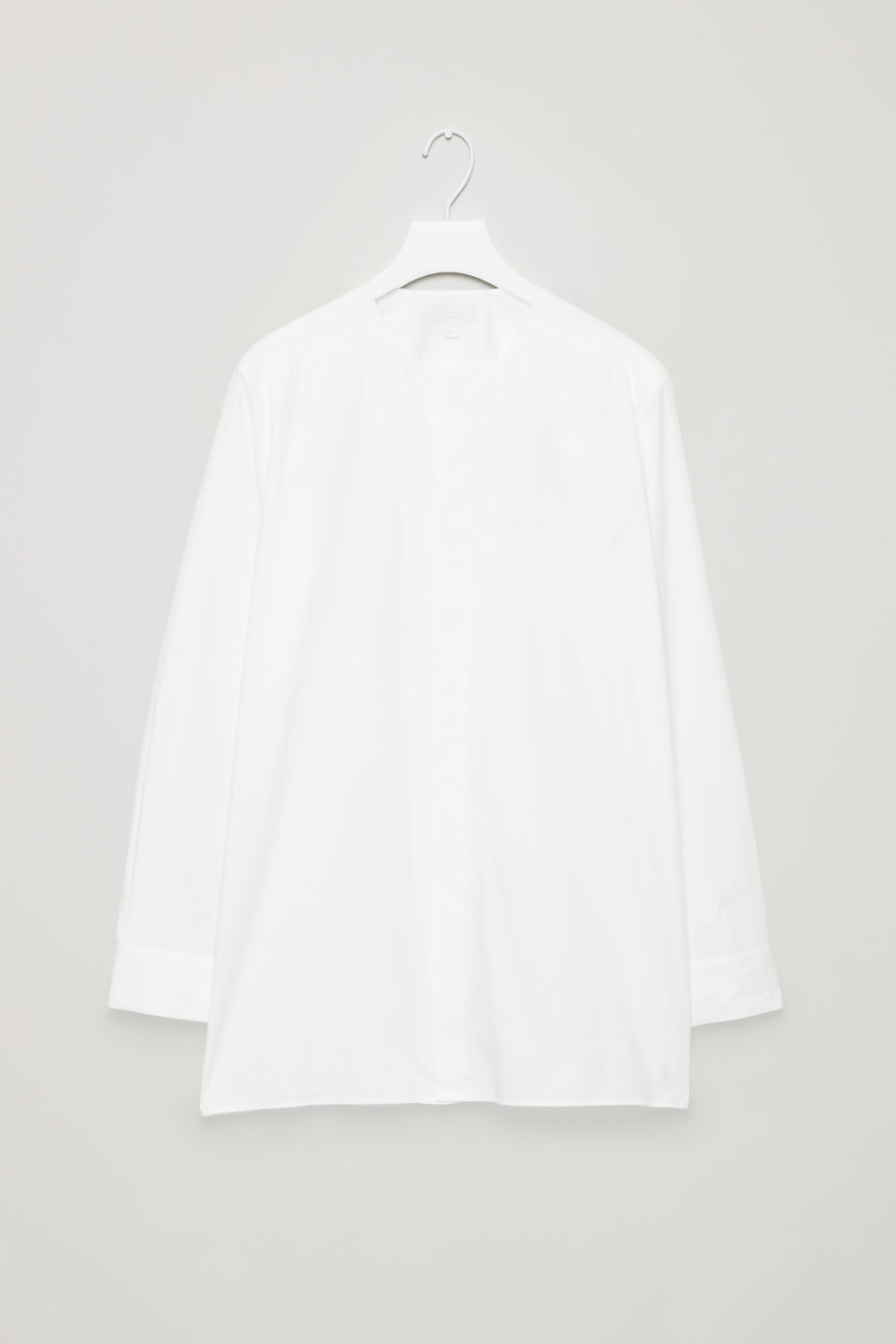 COLLARLESS LONG-SLEEVED SHIRT
