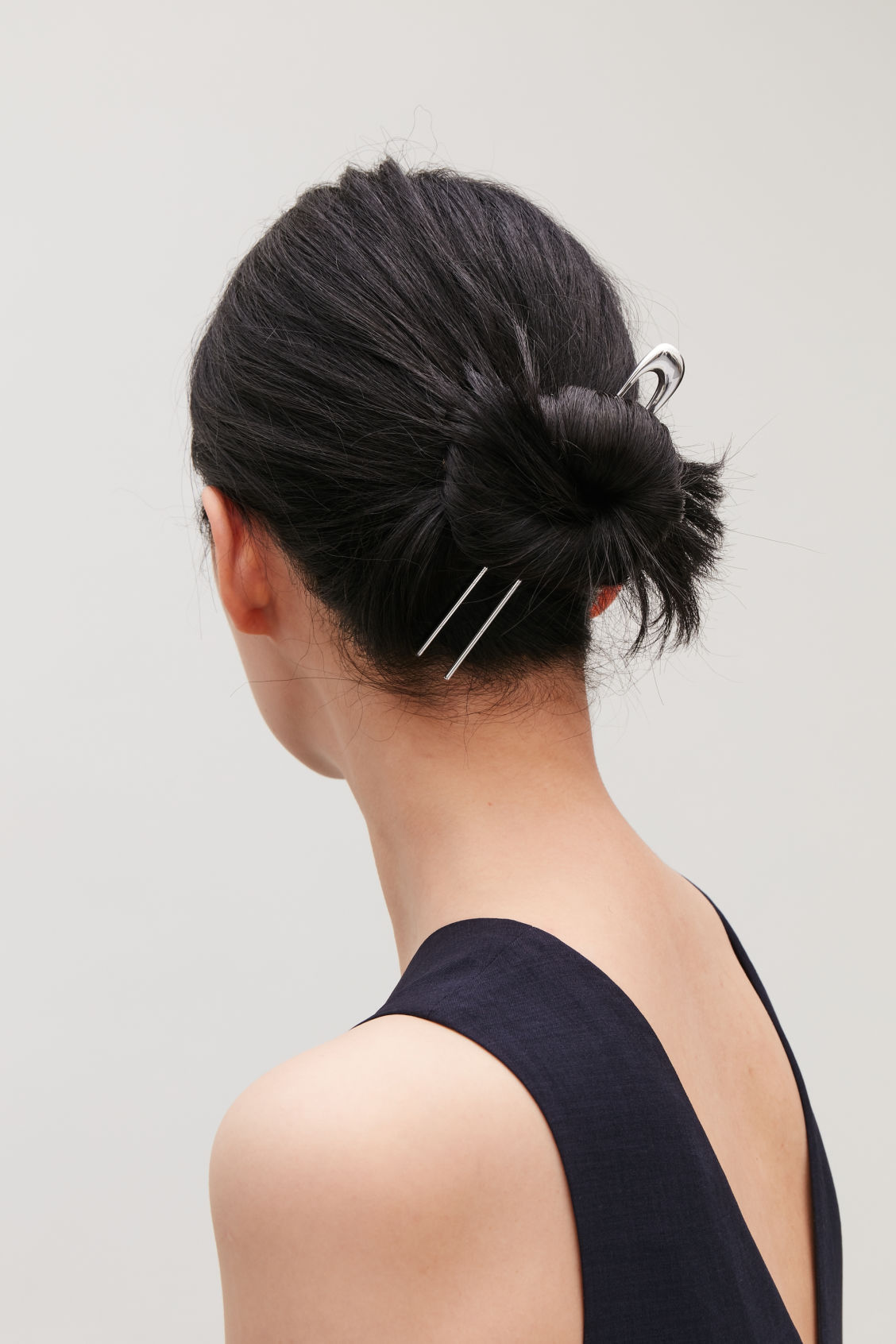 Side image of Cos gradual hair pin in silver