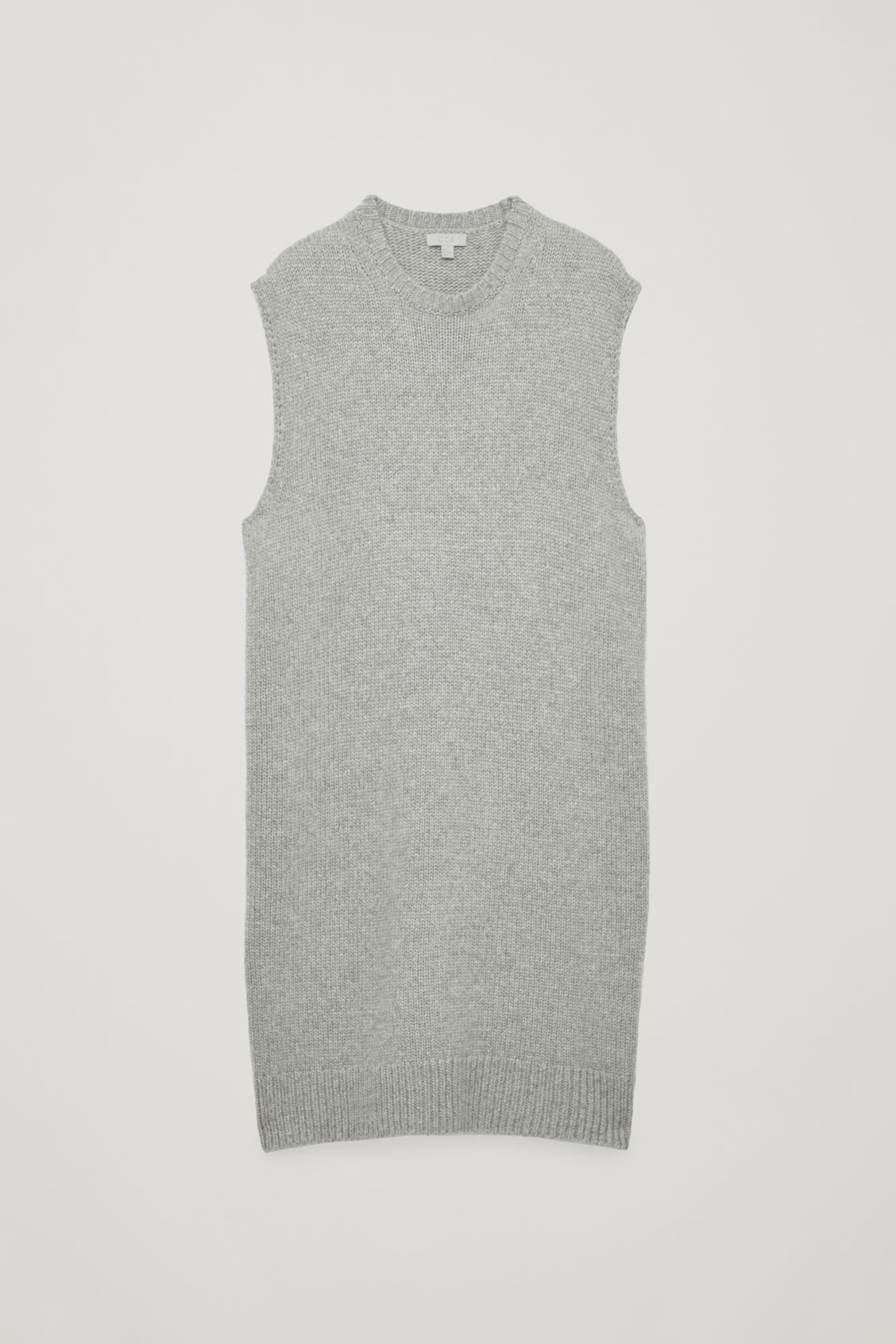 LONG SLEEVELESS KNITTED TOP