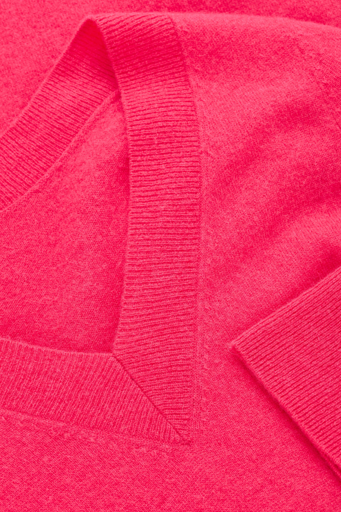 Side image of Cos  in pink