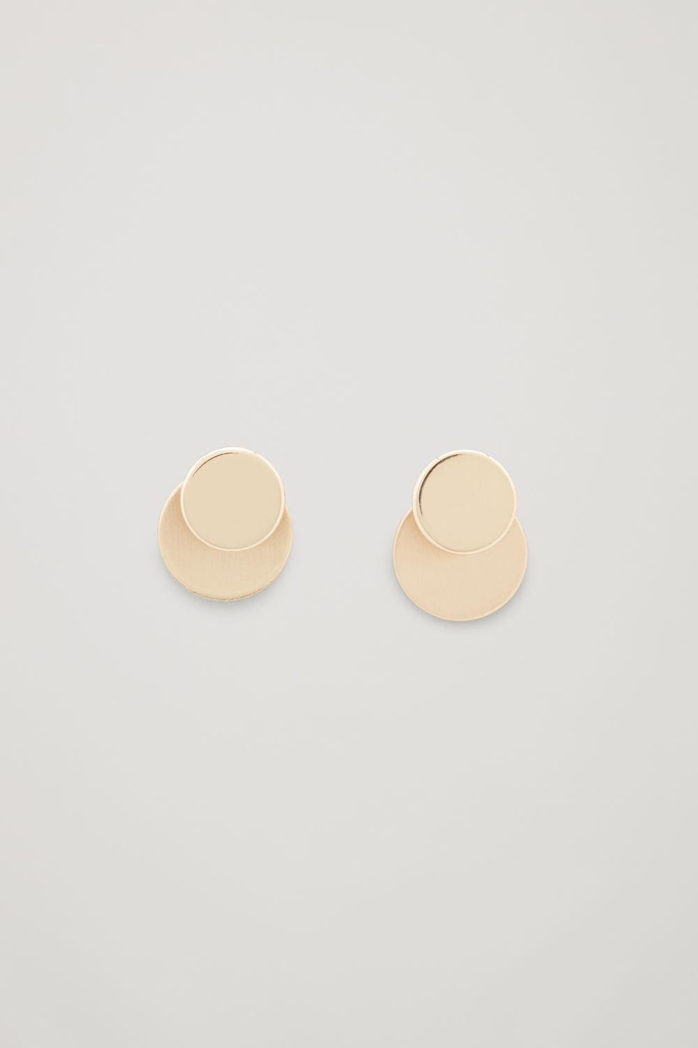 DOUBLE-DISC STUD EARRINGS