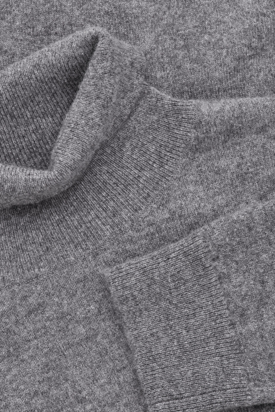 Side image of Cos  in grey
