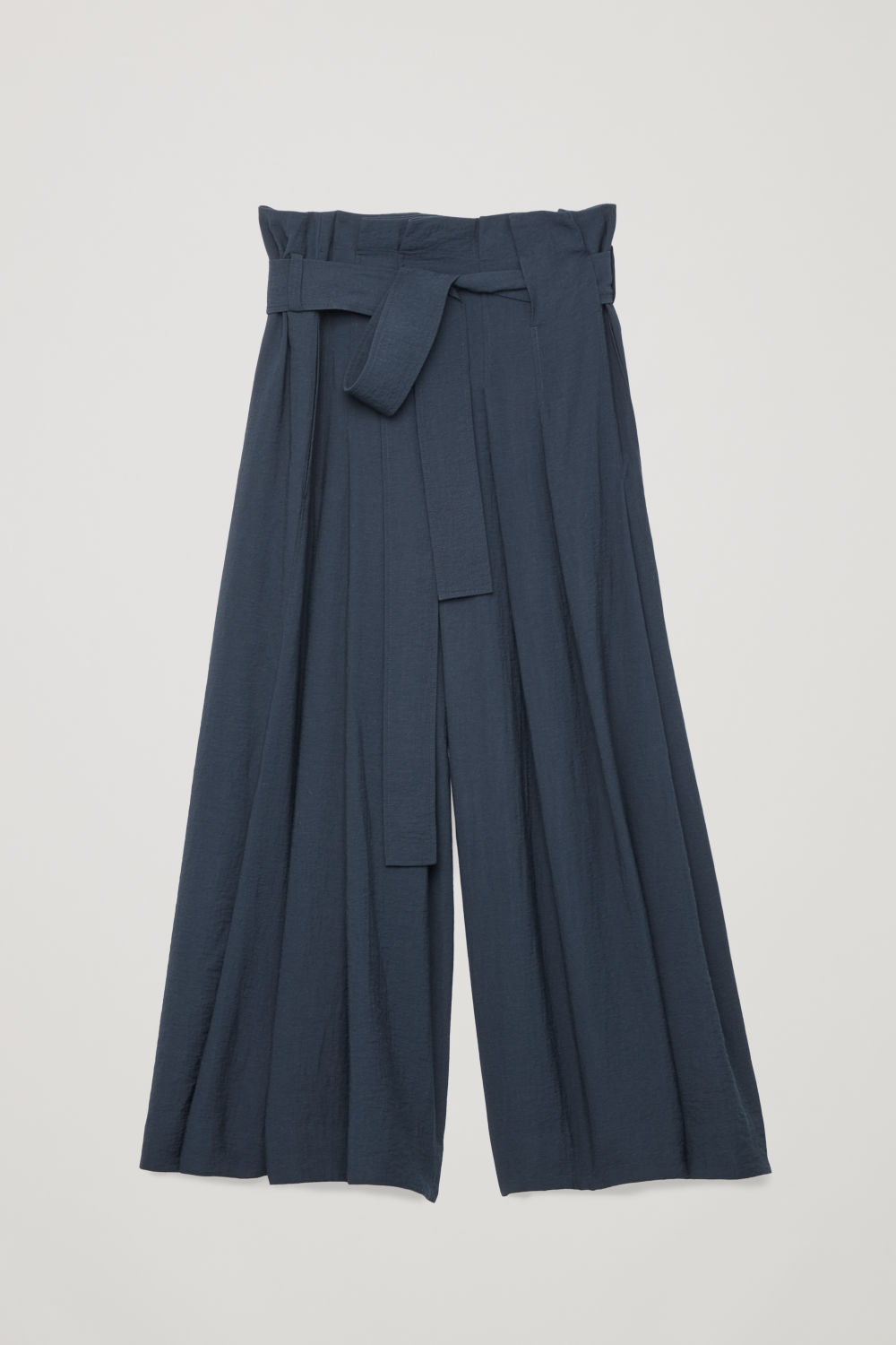 BELTED VOLUMINUS-LEG TROUSERS