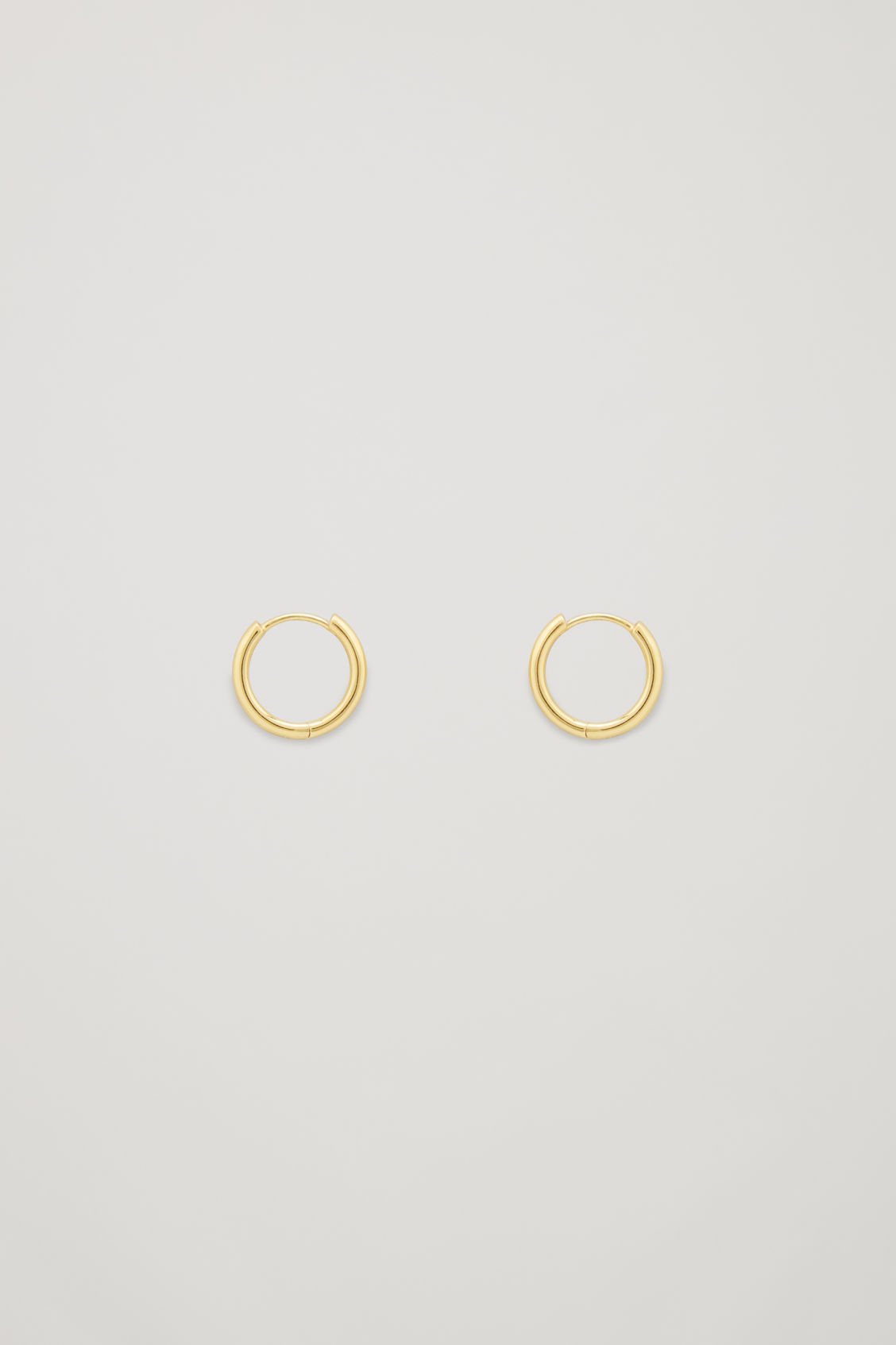 Front image of Cos fine hoops in gold