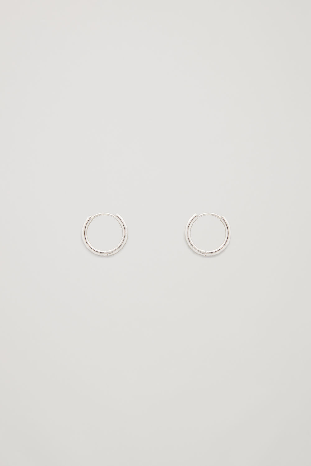 Front image of Cos fine hoops in silver