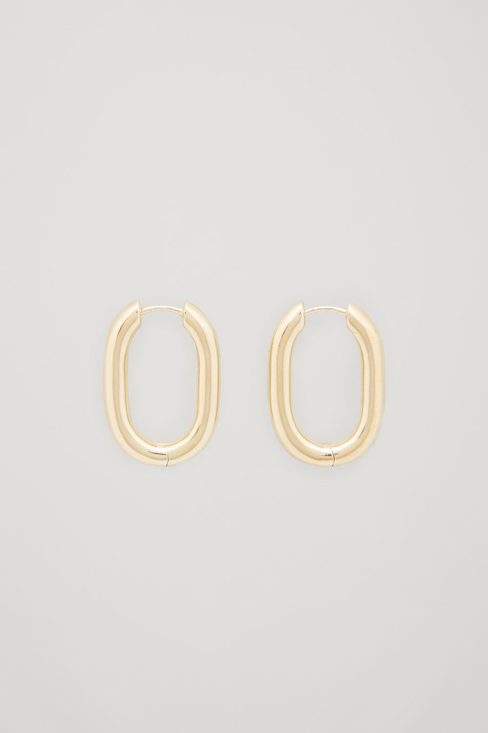 OVAL GOLD-PLATED HOOP EARRINGS