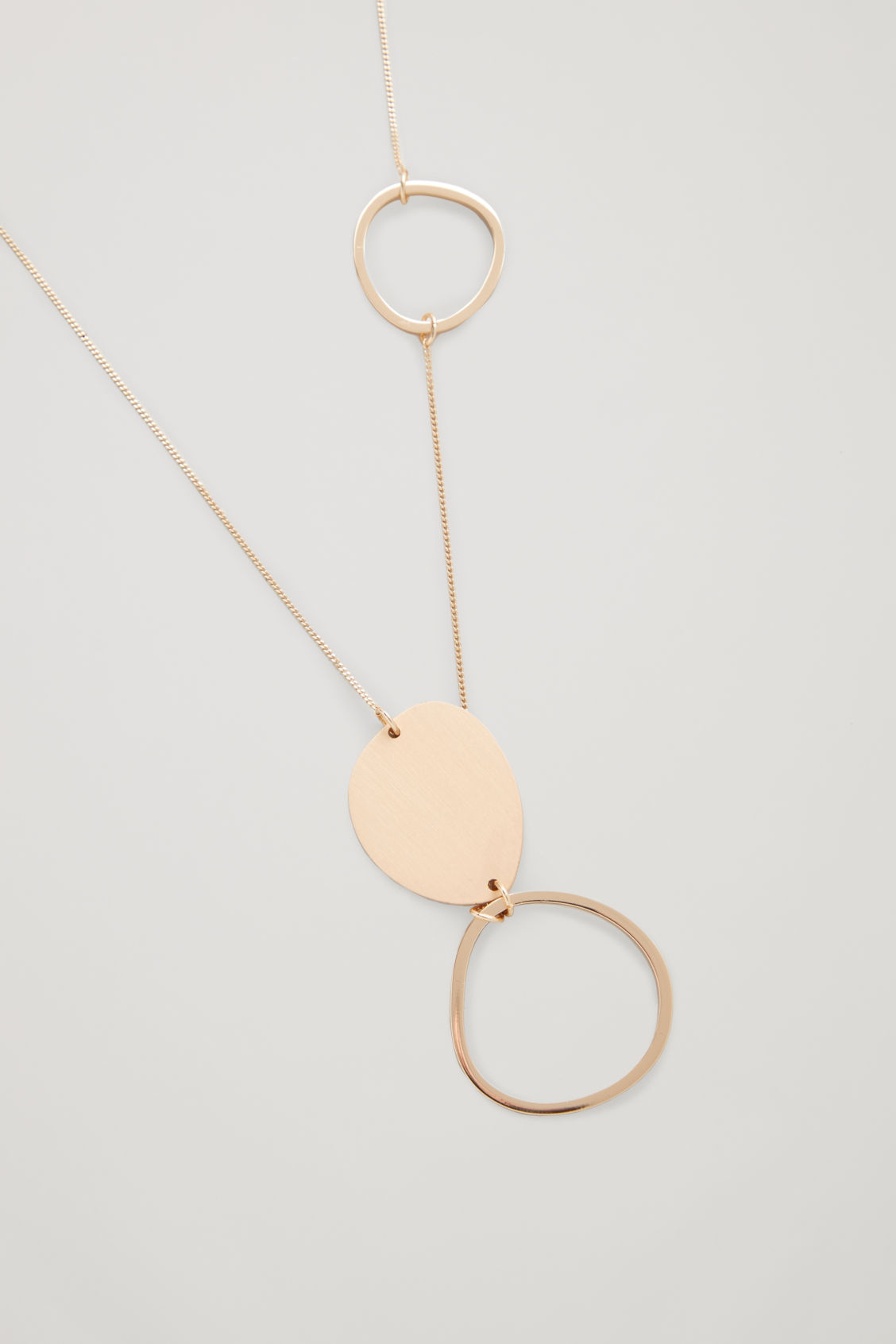 Side image of Cos mix-shape fine necklace in gold