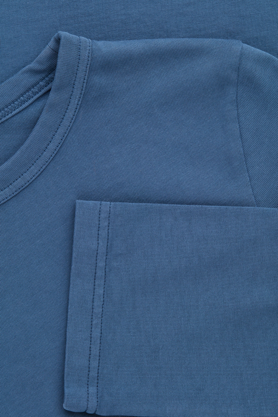 Side image of Cos loose long-sleeved t-shirt in blue