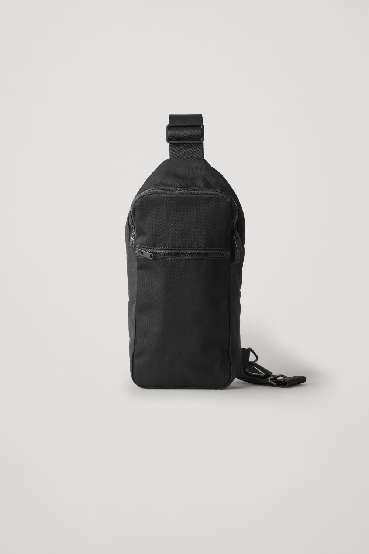 a7f68ee798737 ONE SHOULDER ZIP-UP BAG ...