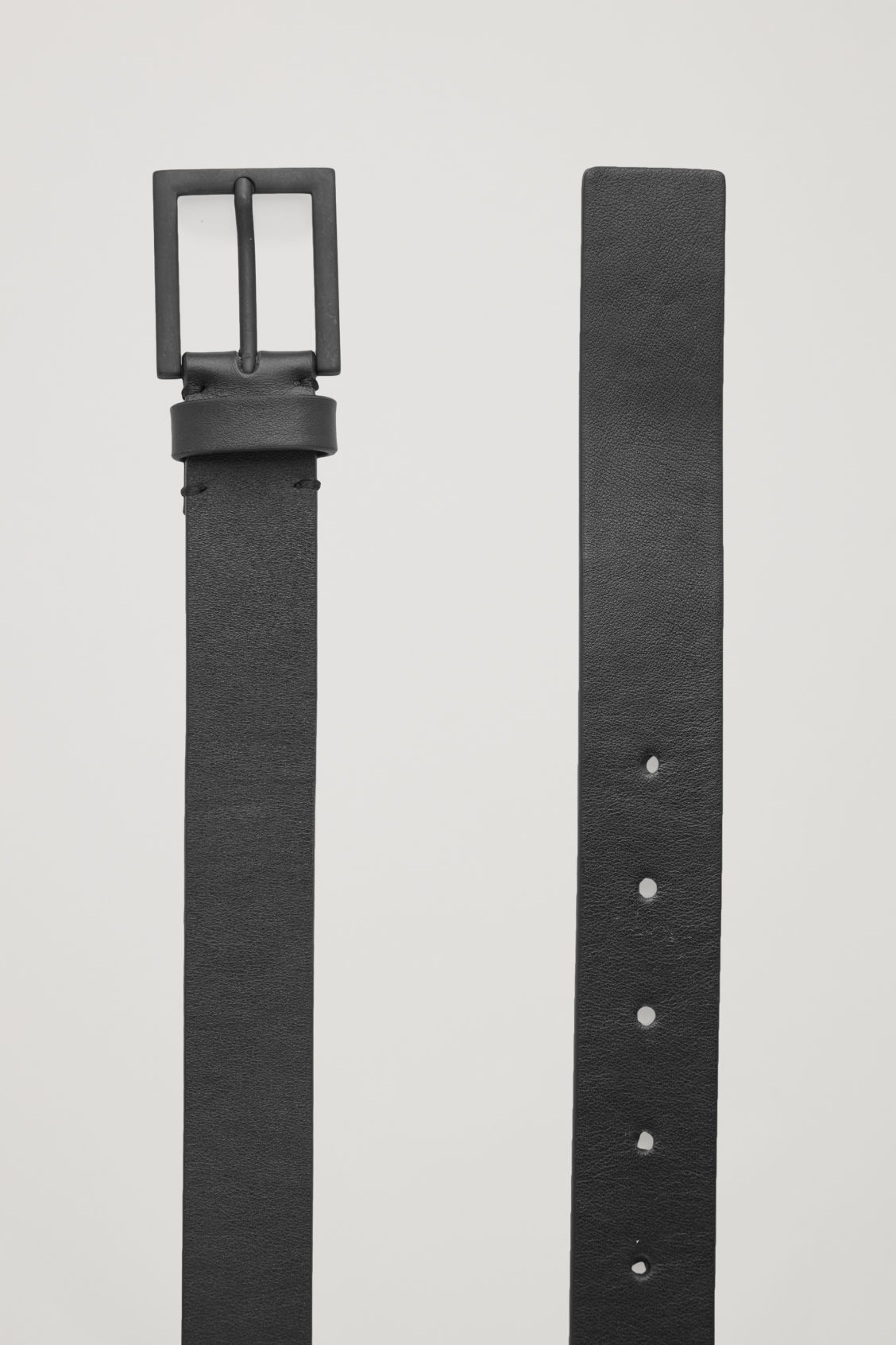 Side image of Cos leather belt with matte buckle  in black