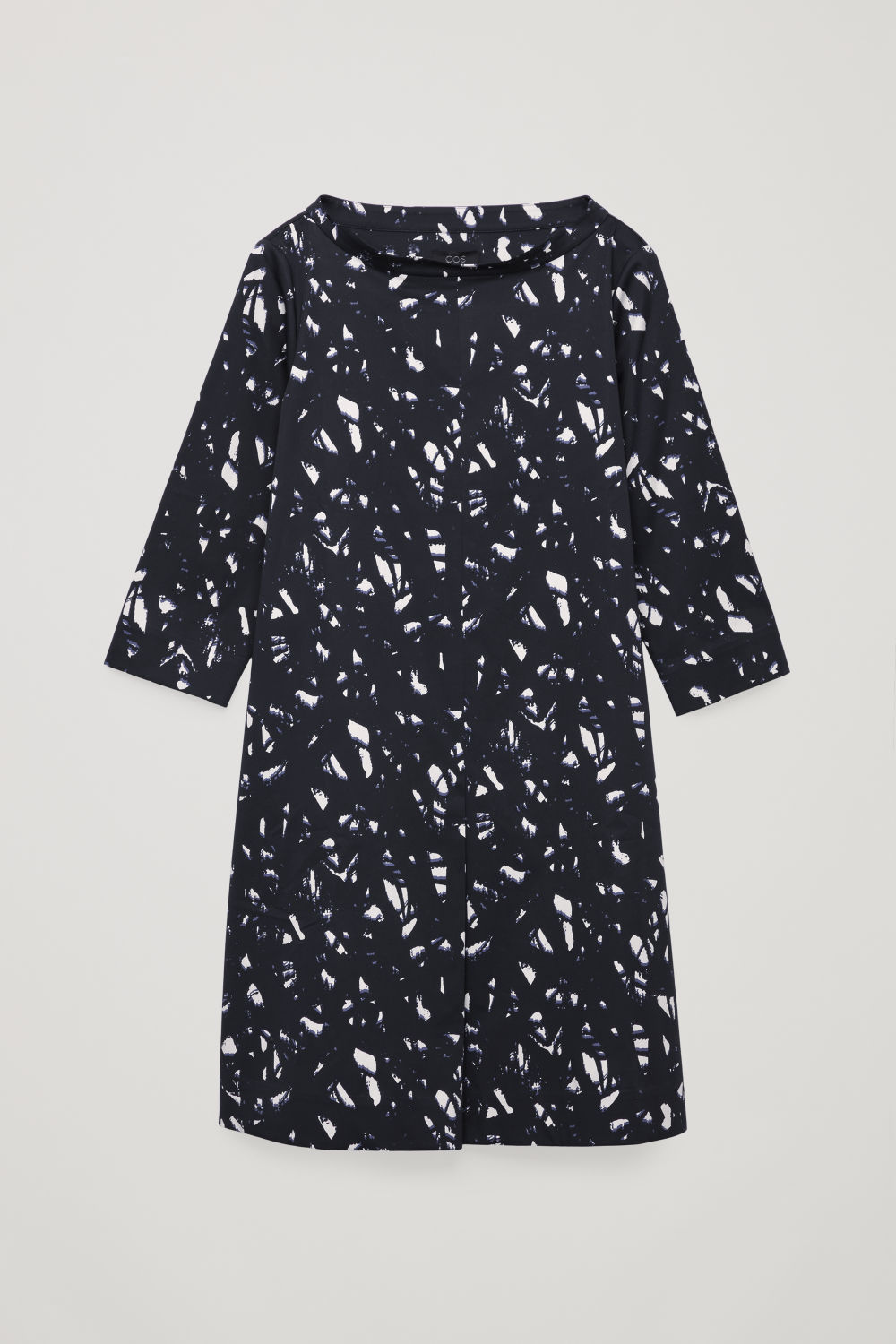 PRINTED RAISED-COLLAR DRESS