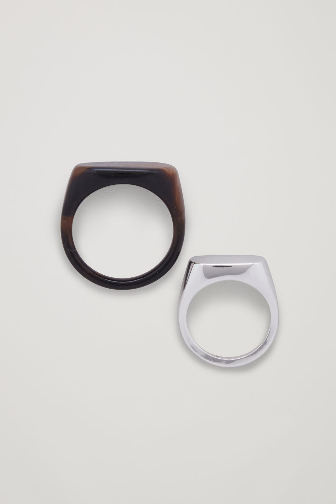 Front image of Cos mix-material ring set in