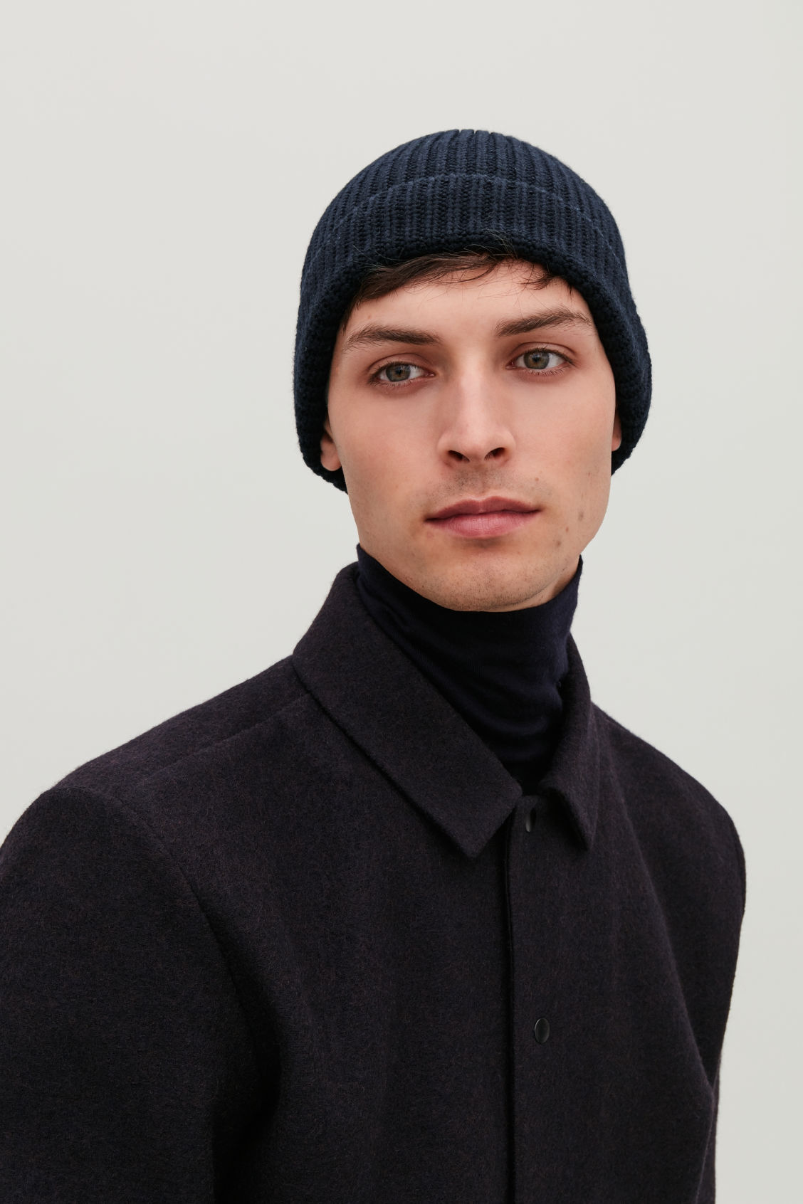 Detailed image of Cos chunky wool hat in blue 8076224cde6