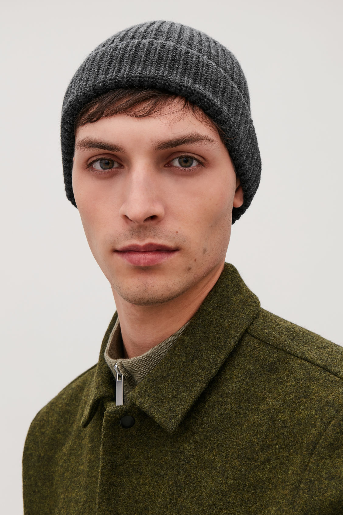 Detailed image of Cos chunky wool hat in grey 574517aa4fc