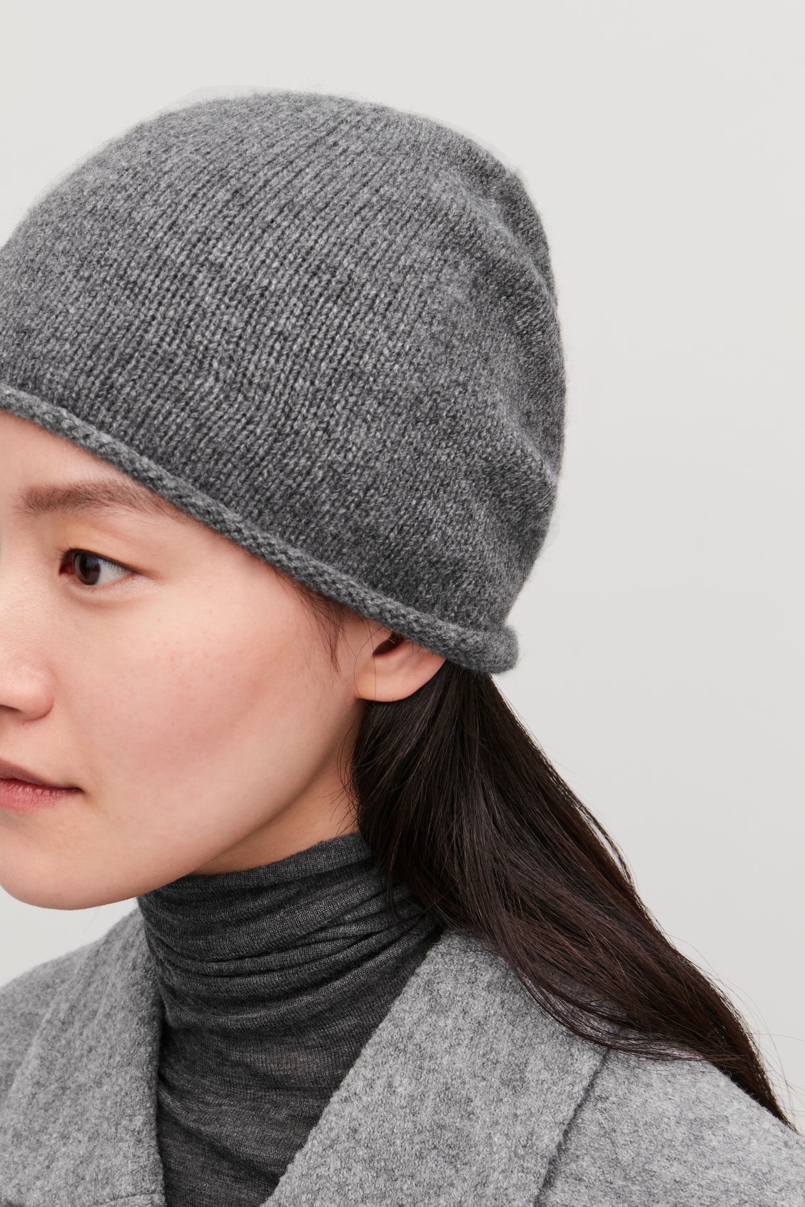 Detailed image of Cos cashmere hat in grey 6d1291b5d221