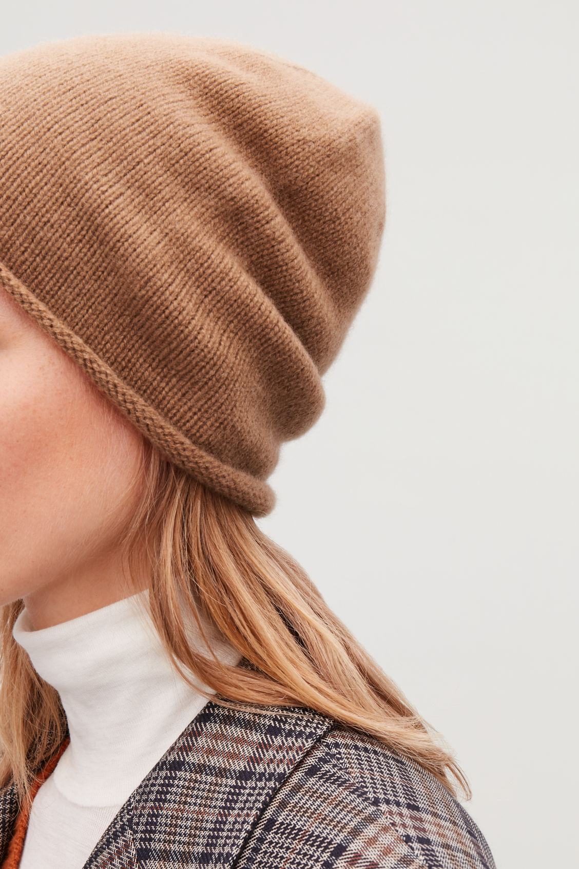 1aa980e4ba4 CASHMERE HAT - Tan - Hats Scarves and Gloves - COS
