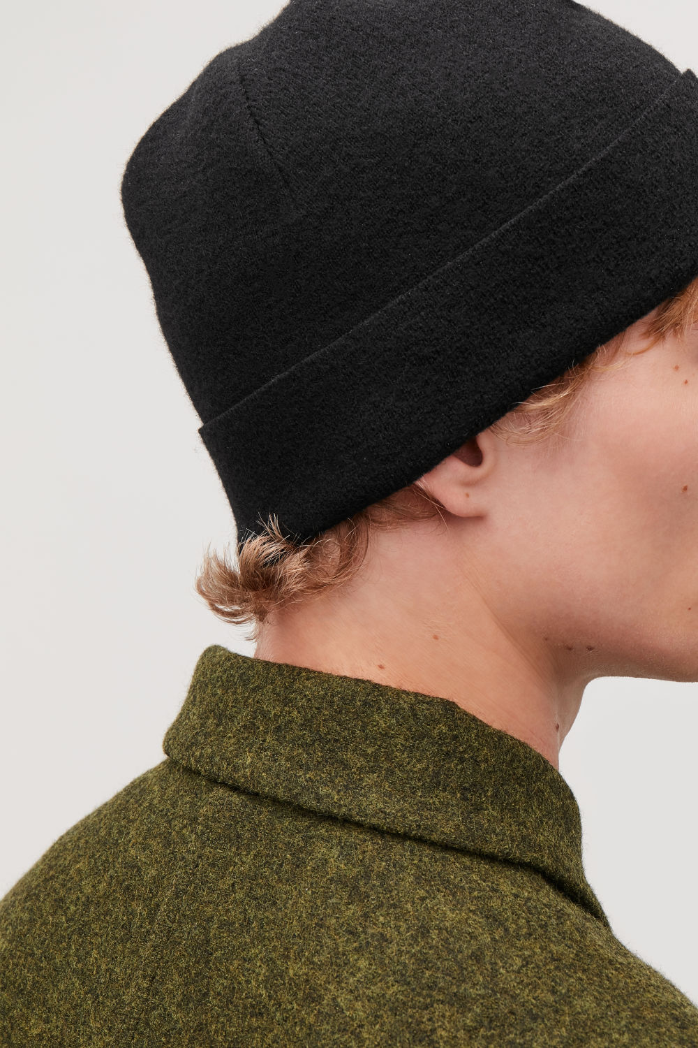 Raw-cut wool hat