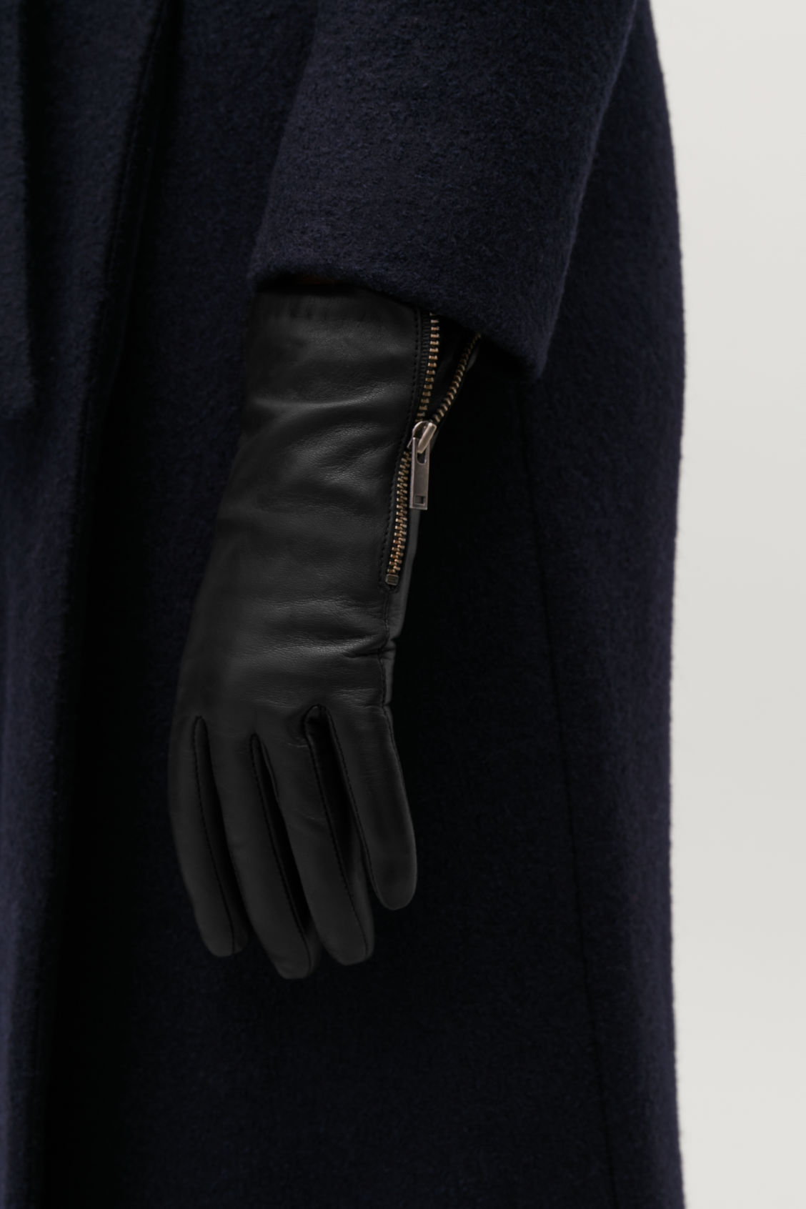 Detailed image of Cos zip leather gloves  in black