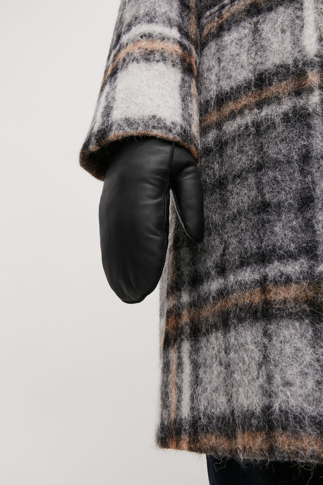 Detailed image of Cos padded leather mittens  in black