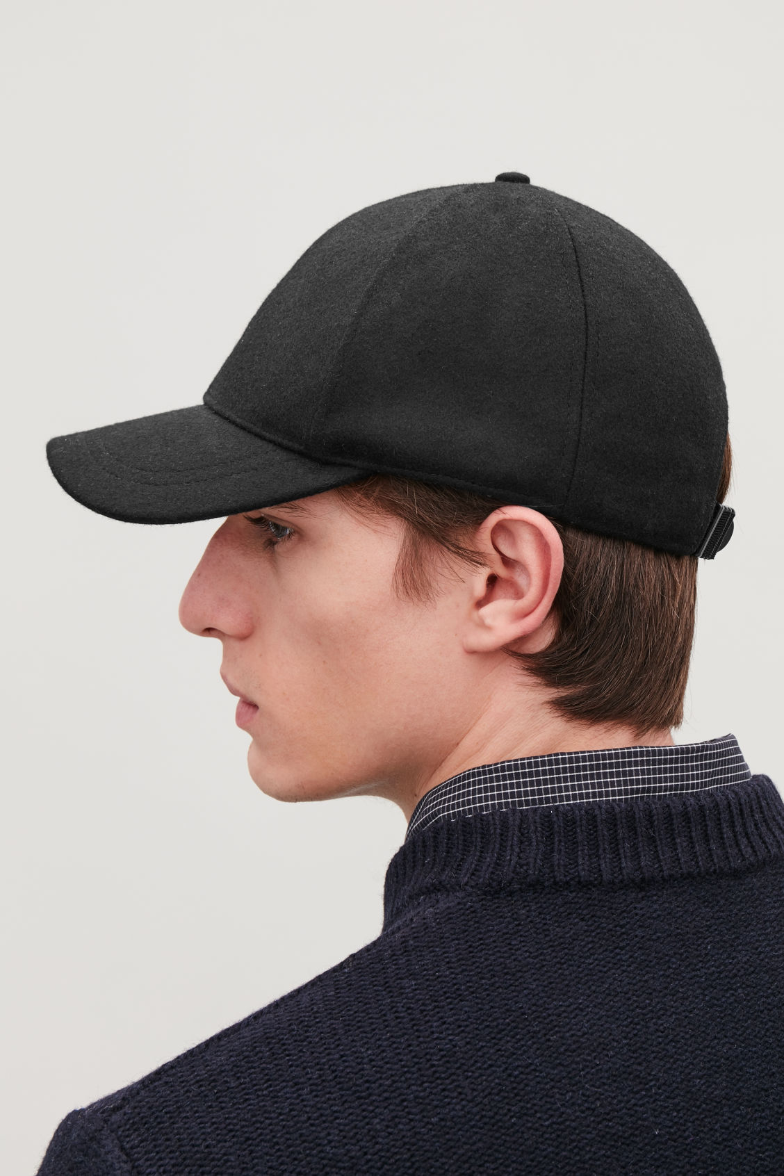 88ae600d3a4 Detailed image of Cos wool baseball cap in black