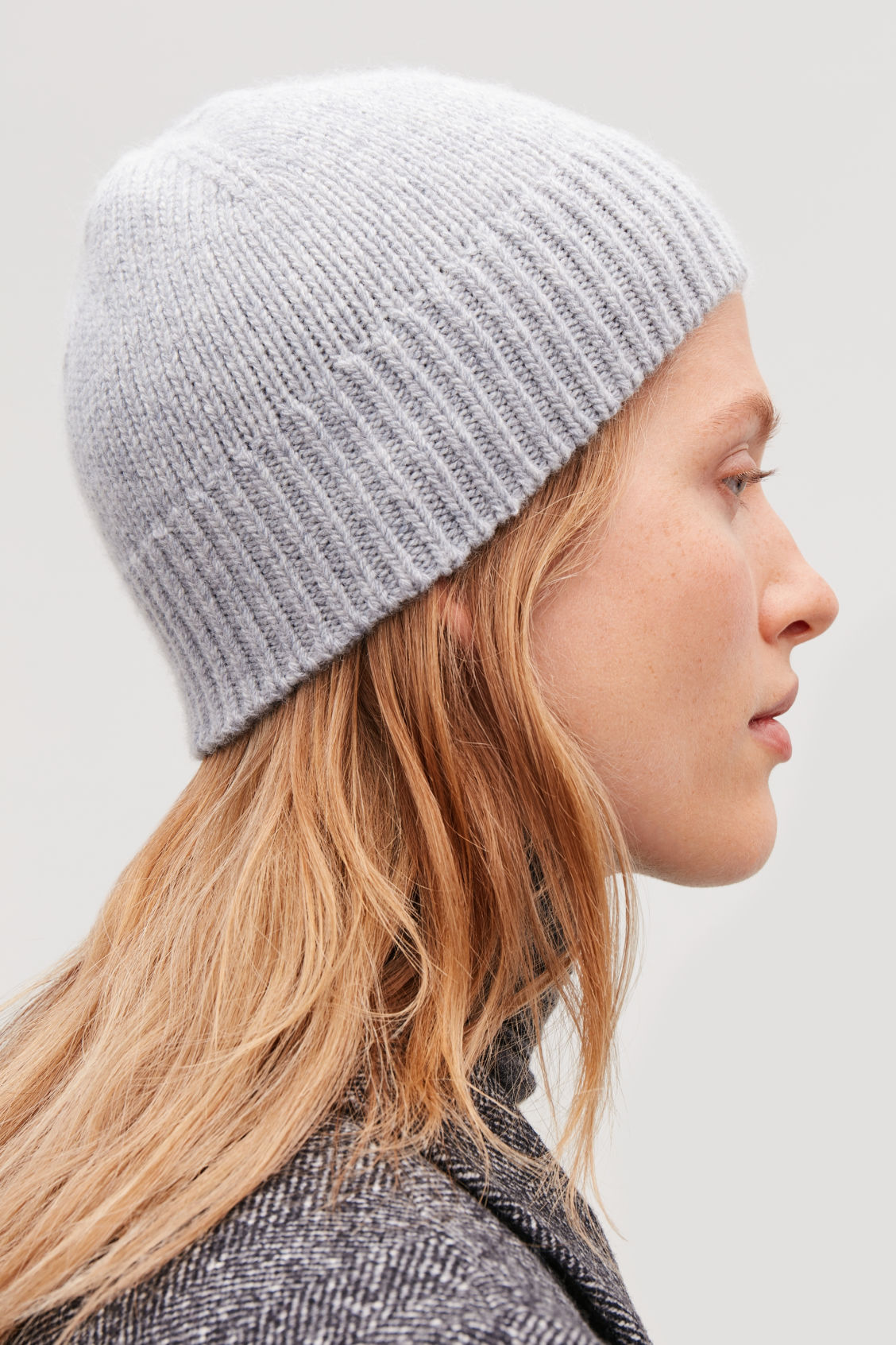 Detailed image of Cos cashmere-wool beanie hat  in grey