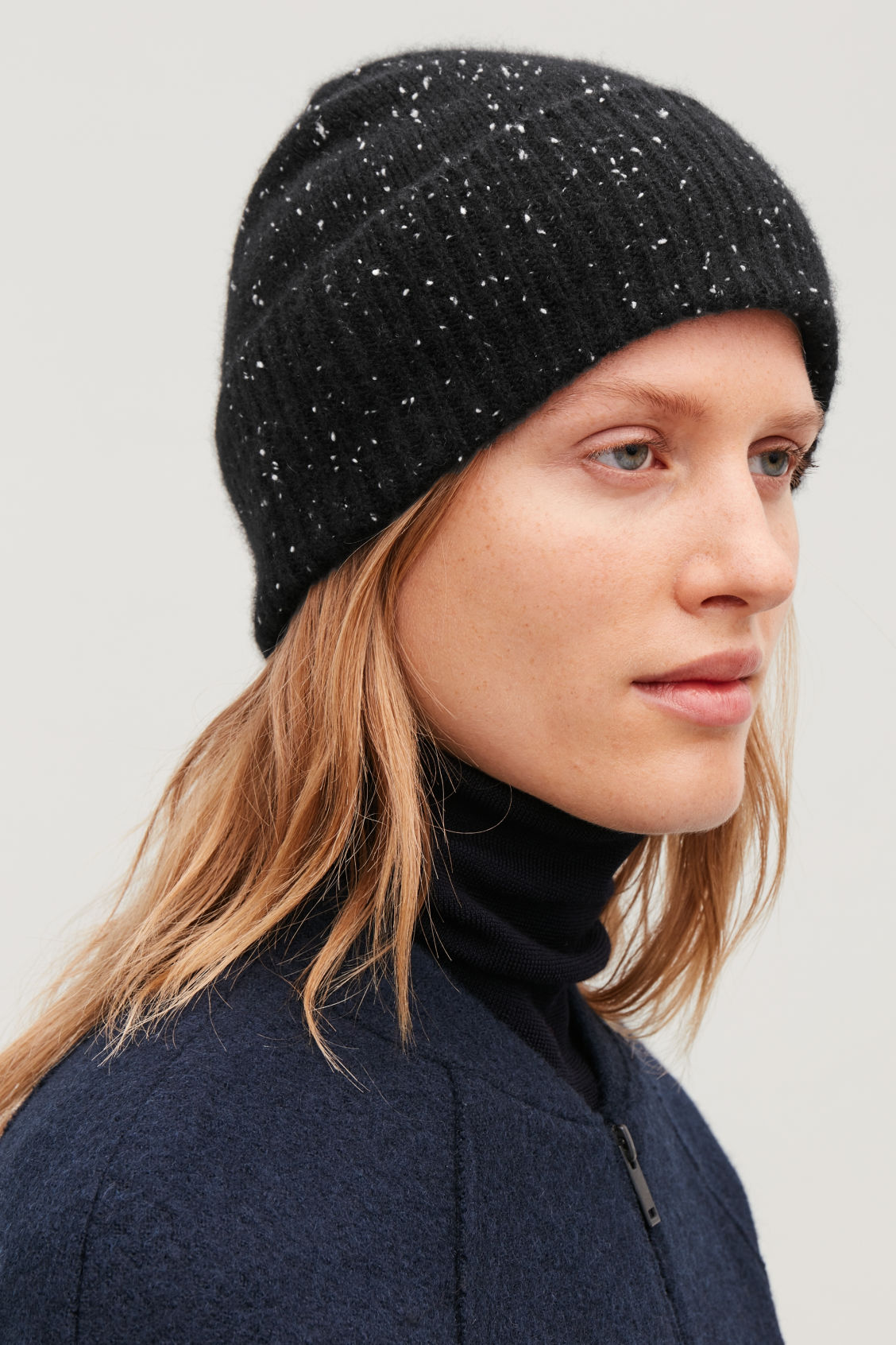 SPECKLED CASHMERE HAT - Black   white - Cashmere - COS 7279df859a3