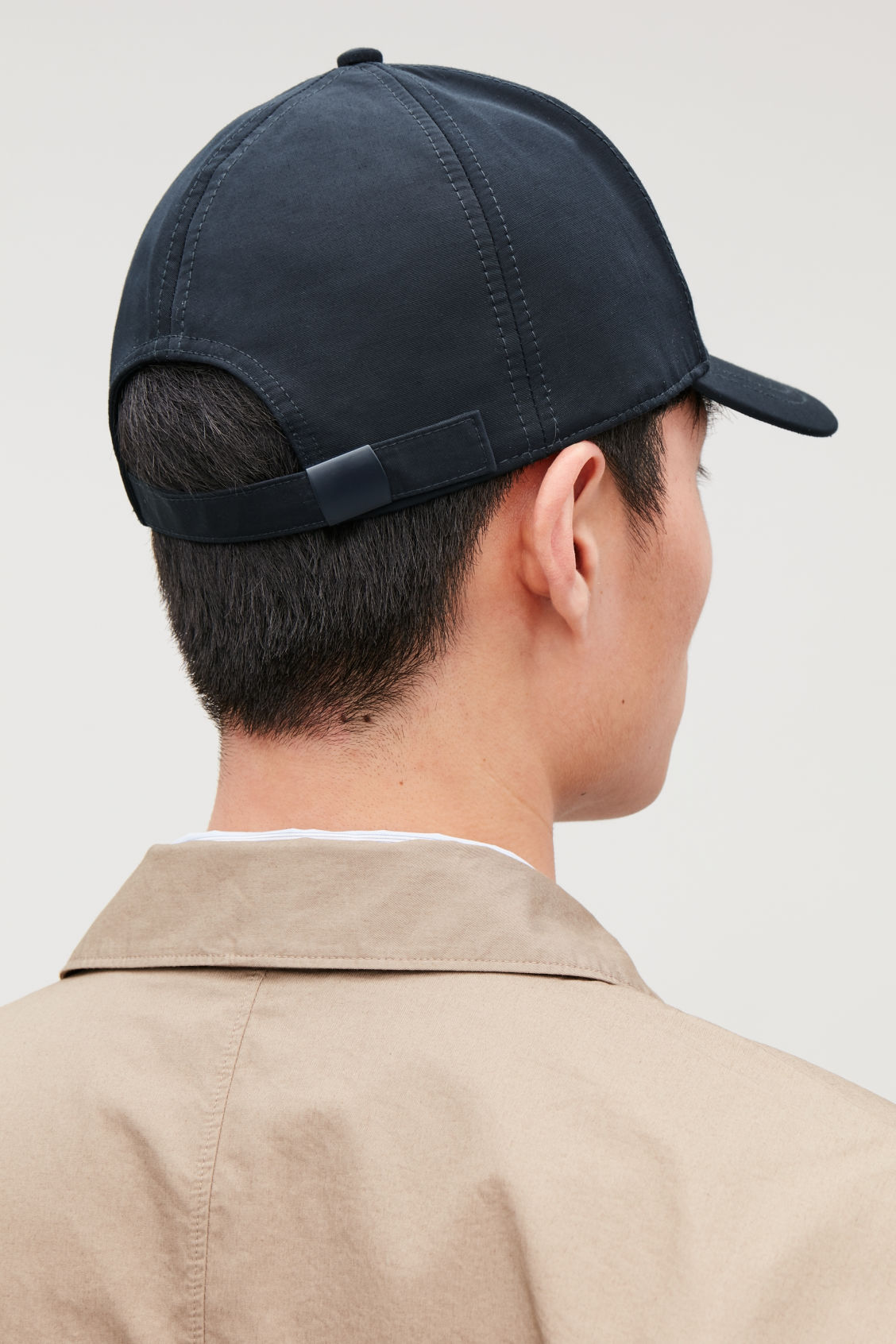 Detailed image of Cos baseball cap in blue
