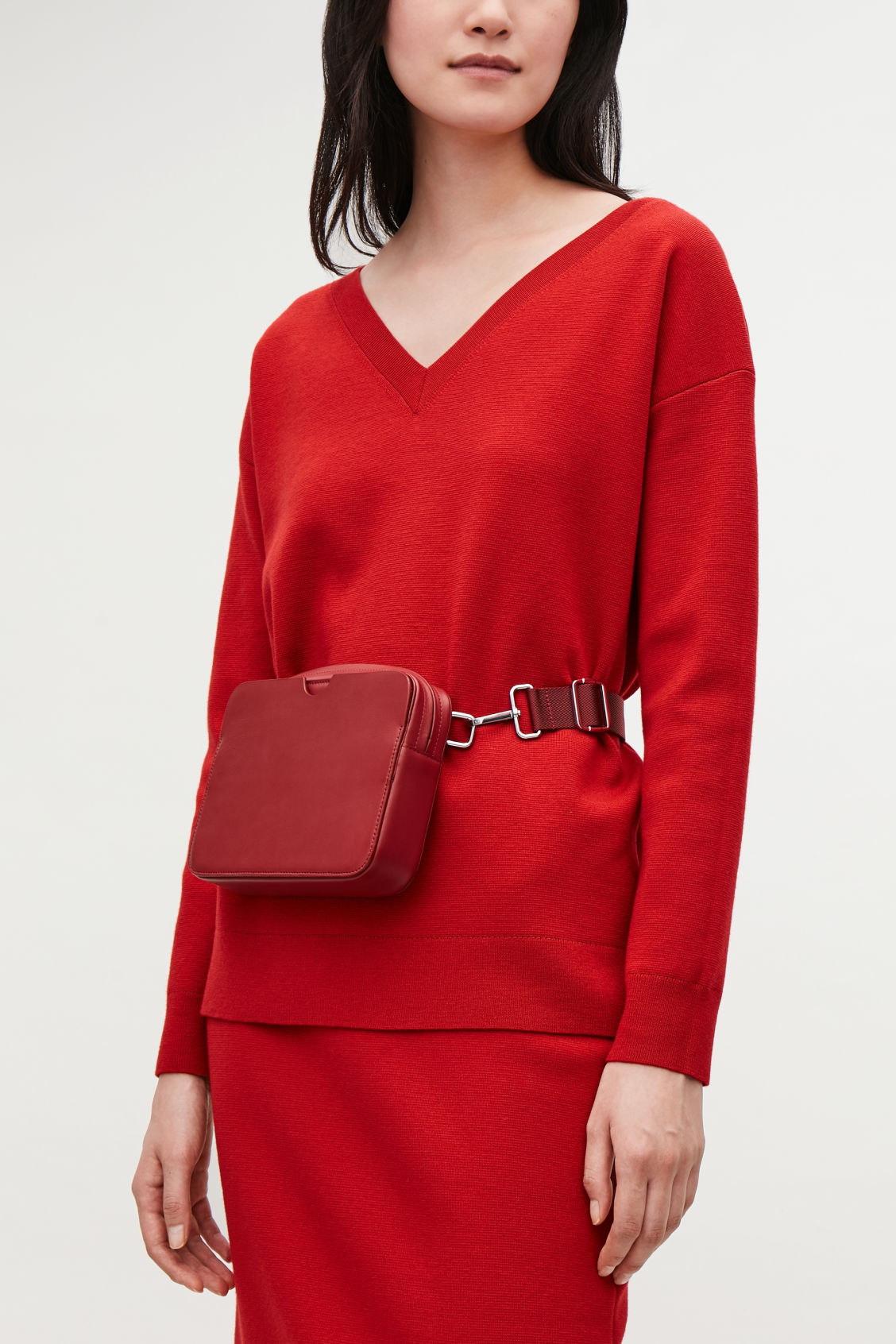 Detailed image of Cos multifunctional leather bag  in red
