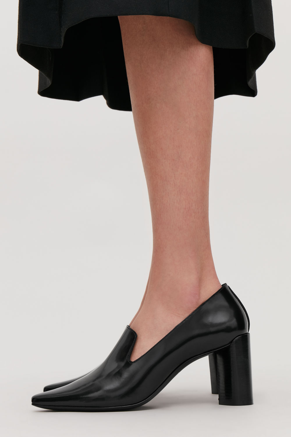GATHERED LEATHER HEELED LOAFERS