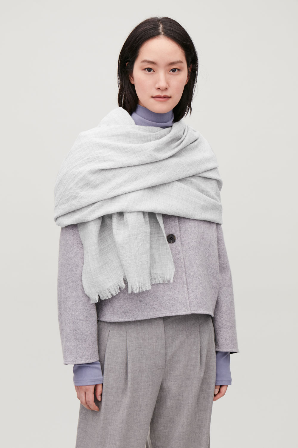 LARGE WOVEN WOOL SCARF