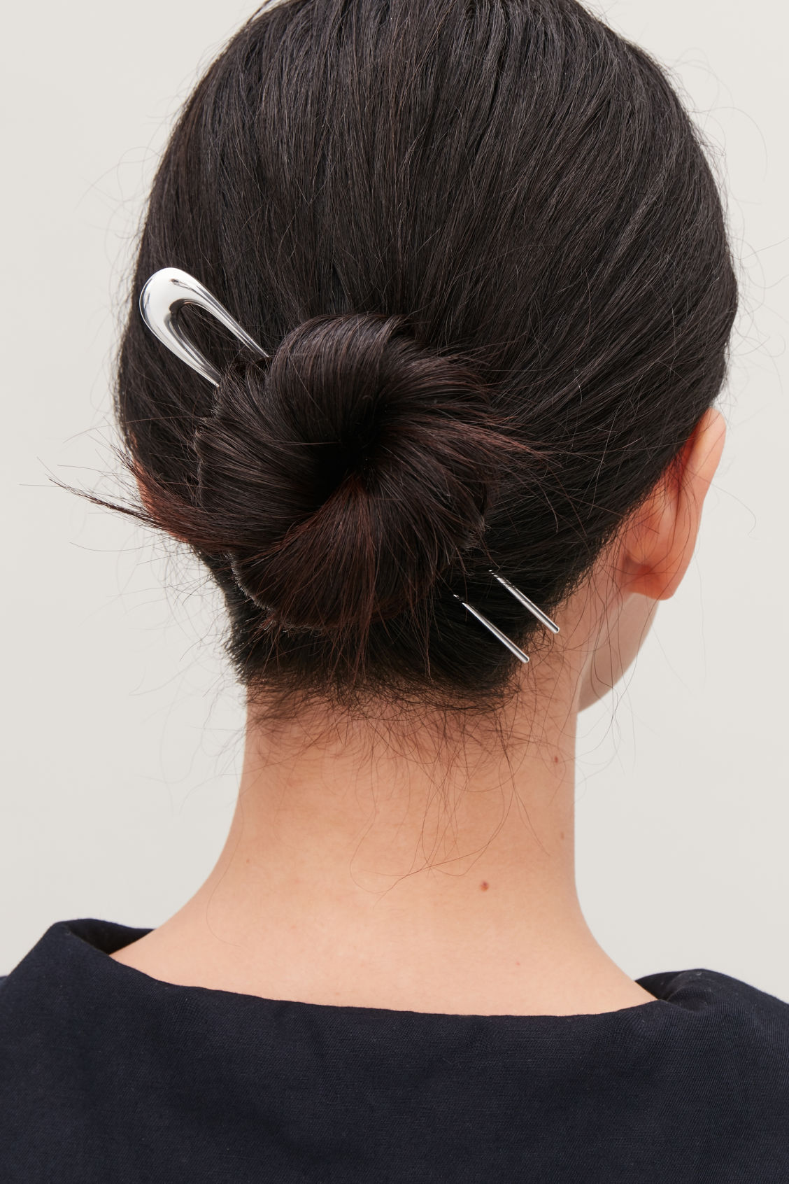 Detailed image of Cos gradual hair pin in silver