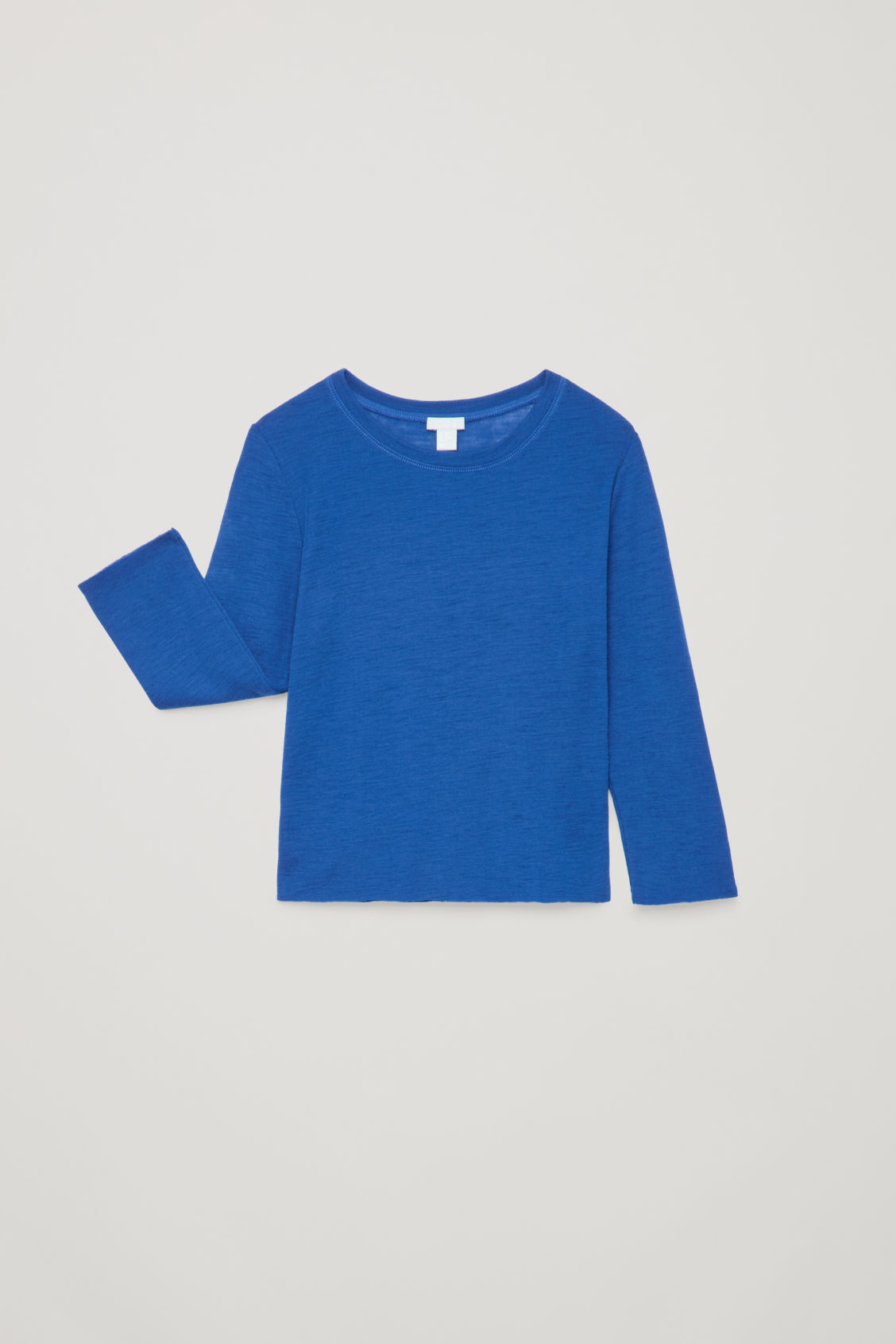 Detailed image of Cos lightweight  wool jumper in blue