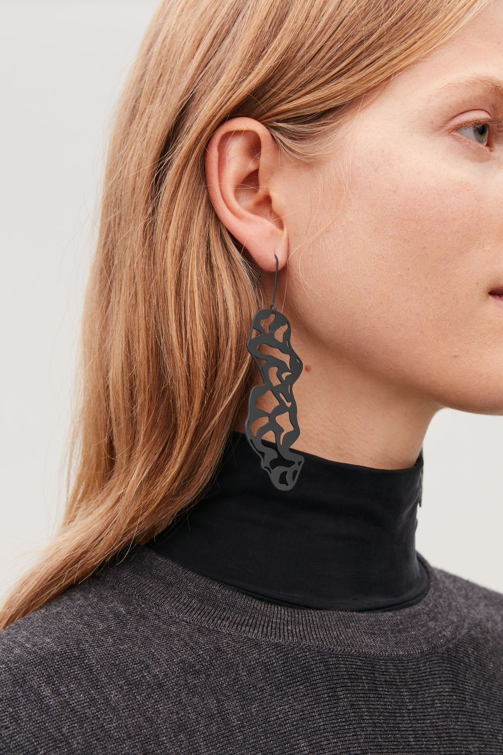 LASER-CUT DROP EARRINGS